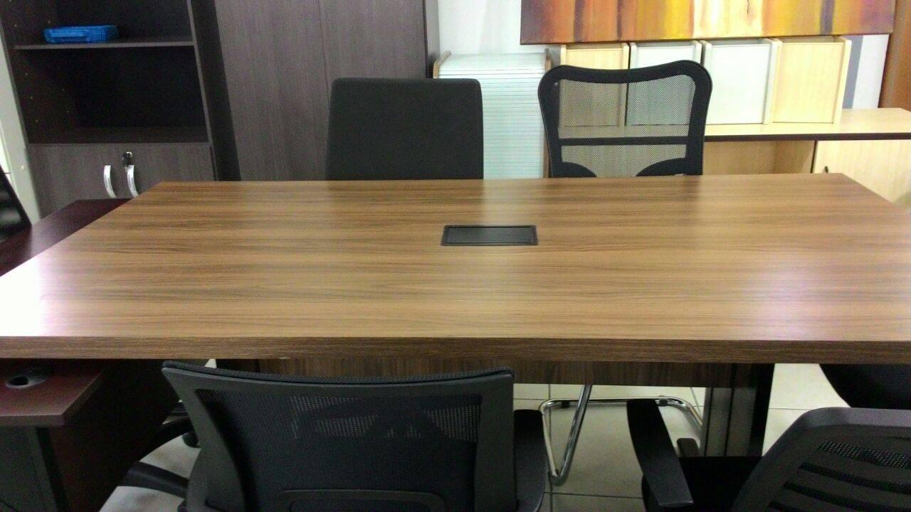 M veis para escrit rio precisando de uma mesa para - Mesas de escritorio ...