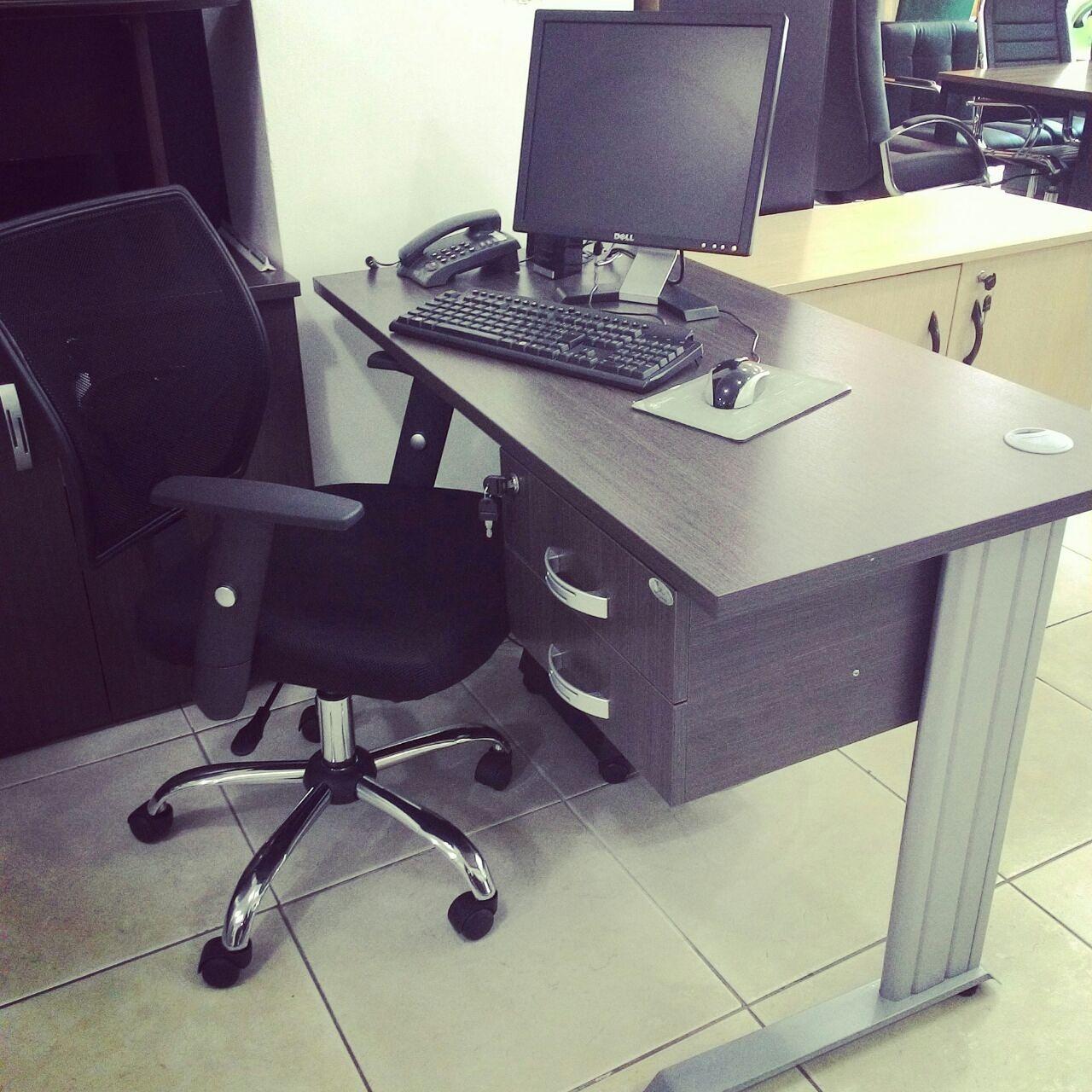 Móveis para escritório – Mesa de vidro oval é a Oferta do Dia  #788348 1280x1280