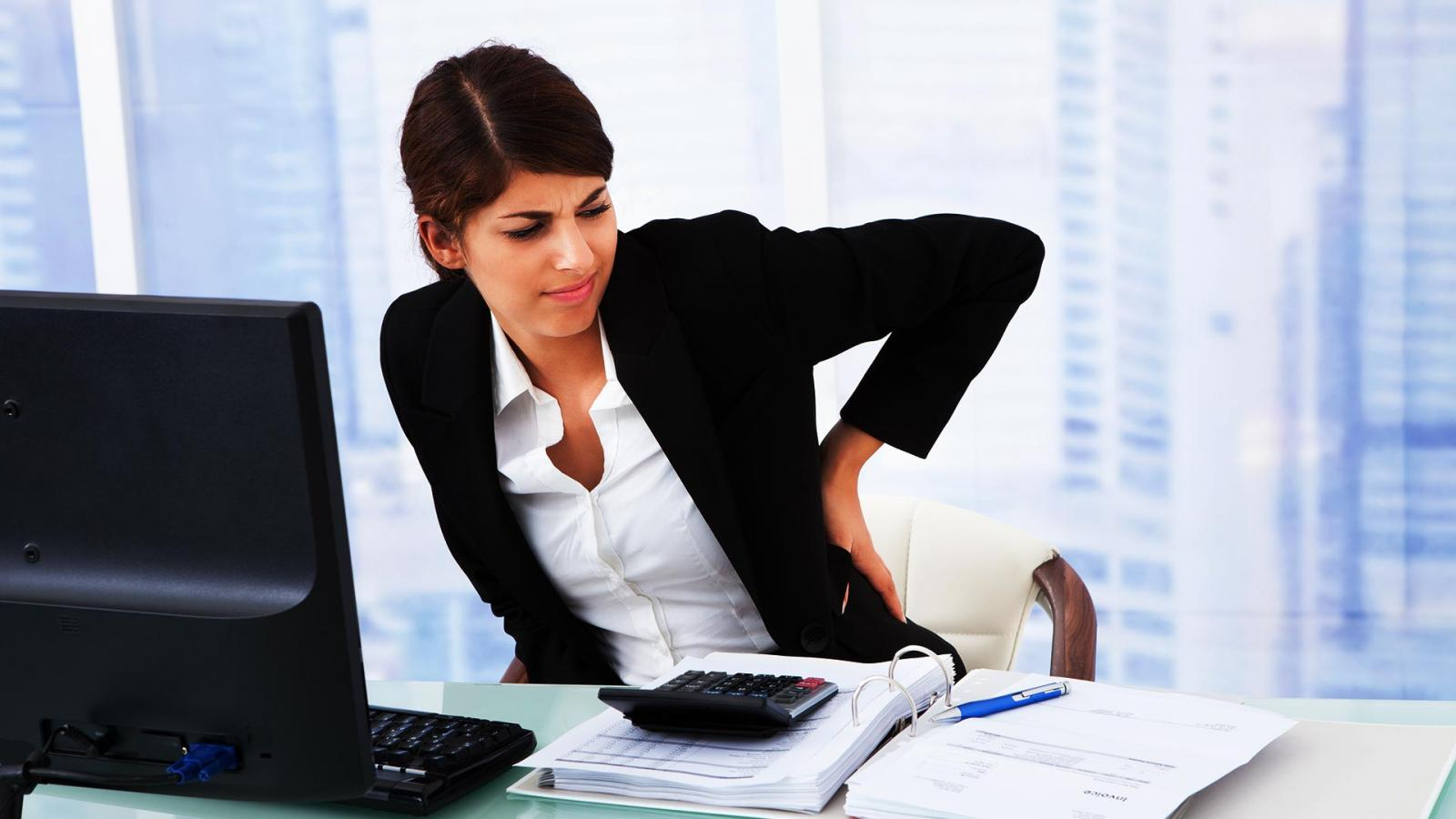 Móveis para escritório – Qual a postura correta na cadeira?