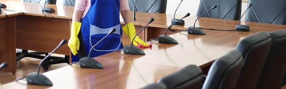Resultado de imagem para Limpeza em escritórios